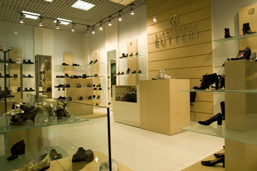 Торговое оборудование для обувного магазина