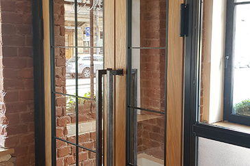 Дизайнерские двери для ресторана