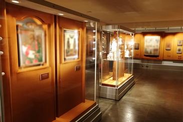 Изготовление мебели для музеев